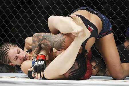 Así quedó el rostro de una luchadora en EE.UU. tras recibir una paliza en un torneo