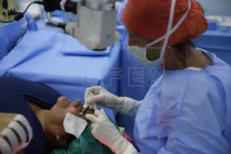 Científicos mexicanos desarrollan biofármaco para curar enfermedad ocular