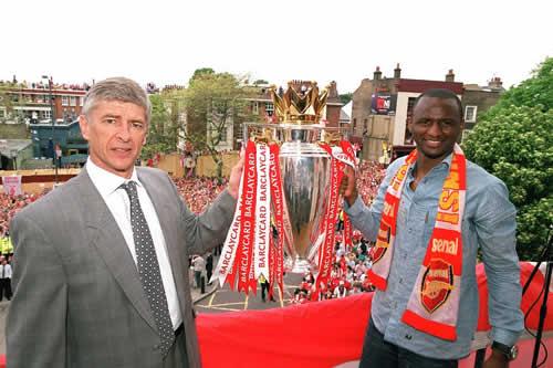 Wenger señala a Vieira como su sucesor en el Arsenal