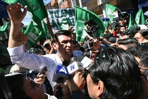 Fiscalía ordena la aprehensión del alcalde Leyes por el caso mochilas