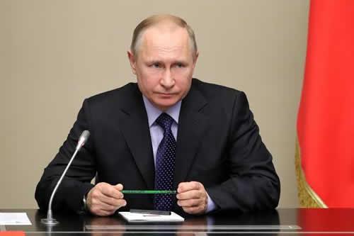 Putin ofrece ayuda a Díaz-Canel para la modernización de Cuba