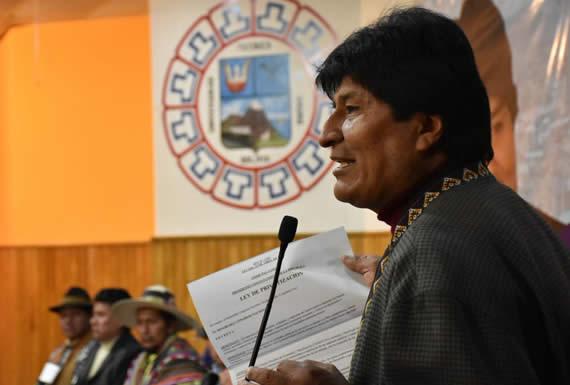 Morales condena amenazas de destrucción de EEUU a Irán