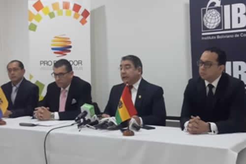 Firman inédito acuerdo público-privado para fortalecer el comercio entre Bolivia y Ecuador