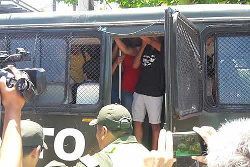 Policía interviene casa de campaña Bolivia Dice No, hubo gasificación y detenidos