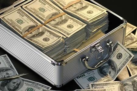 Gana 8,5 millones de dólares en la lotería, pero casi los pierde por un descuido