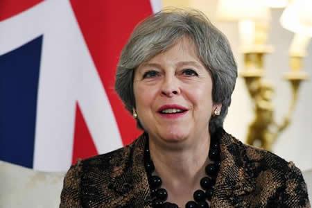 """May evalúa la factura que deberá pagar a Bruselas por el """"brexit"""""""