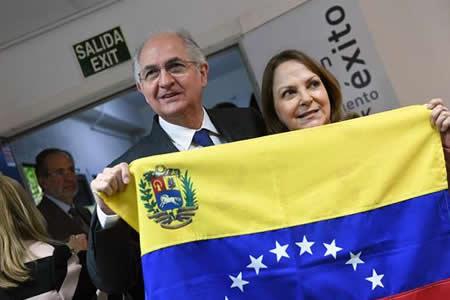 Venezuela camina a un diálogo político marcado por la fuga de Ledezma