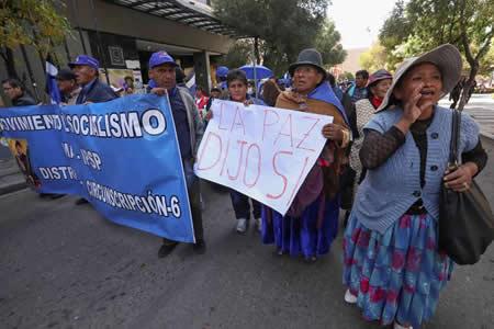 Bolivia vive una jornada de movilizaciones a favor y en contra de Evo Morales