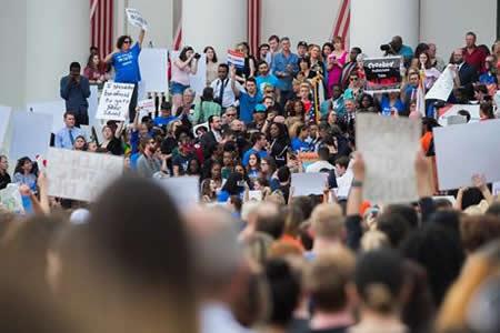 Supervivientes de Parkland llevan al Congreso Florida su repudio a las armas