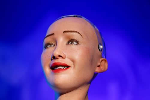 Robot Sophia anima a Nepal al uso de las tecnologías para desarrollar el país