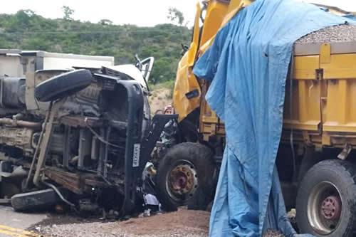 Accidente de tránsito en carretera Sucre-Potosí deja tres personas fallecidas y una herida