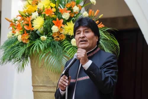 Morales promete respetar el fallo y llama a Chile a diálogo