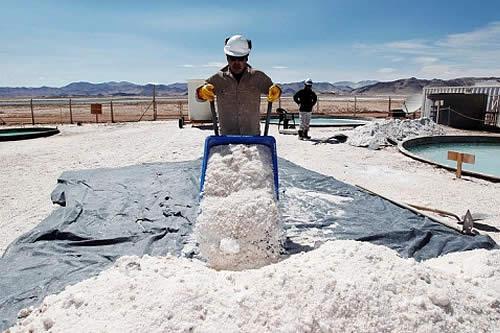 Bolivia elige a la alemana ACI Systems para industrializar el litio