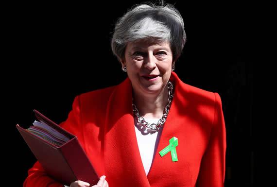 """May ofrece un """"nuevo acuerdo"""" para el Brexit como """"última oportunidad"""""""
