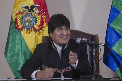 Evo Morales nombrará delegados para hacer negocios con Rusia y China