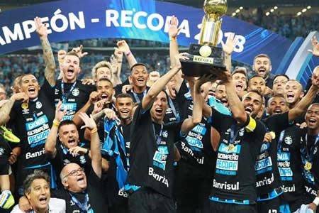 Gremio se corona campeón de la Recopa en la definición por penaltis