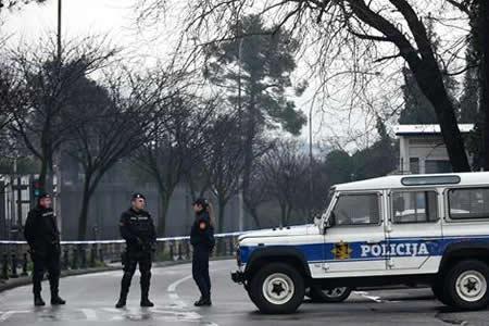Atacante suicida lanza granada contra la embajada de EEUU en Montenegro