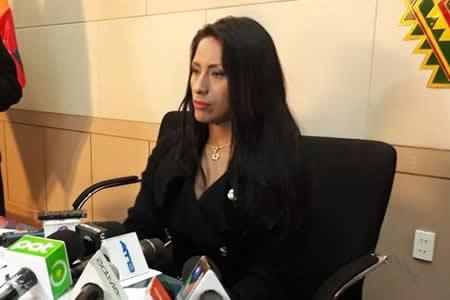 Alanoca pide informe para tomar decisión sobre Cárdenas
