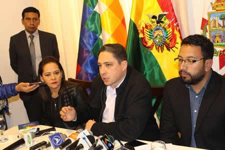 Ministro de Justicia anuncia en marzo evaluación simultánea de postulantes para 442 notarías