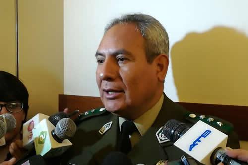 FELCN secuestra vehículo y 25 turriles de combustible en frontera con Chile