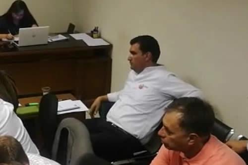 Leyes recibe detención domiciliaría con fianza y vetado de contactar la Alcaldía
