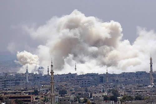 Continúan los bombardeos contra zonas del EI en el sur de Damasco