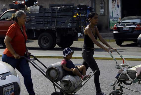 """Arreaza: """"El bloqueo criminal de EE.UU. pone en riesgo la vida de niños venezolanos que recibieron trasplantes"""""""