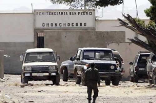 Después de la muerte de Oti, tres versiones señalan tráfico de armas