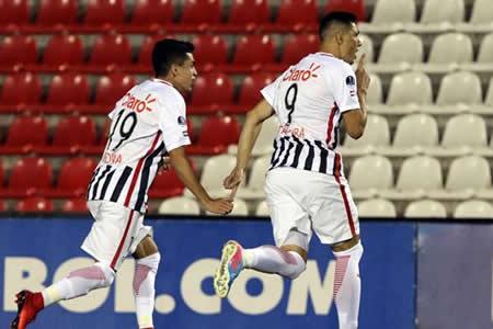 Gol de Cardozo a los 28 segundos da el triunfo al Libertad en semifinal