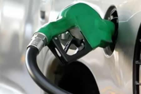 Medrano: casi 600.000 litros de gasolina Ron 91 se vendió en una semana en Santa Cruz
