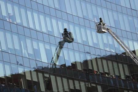 Miles de evacuados en simulacro incendio en rascacielos chileno de 55 pisos