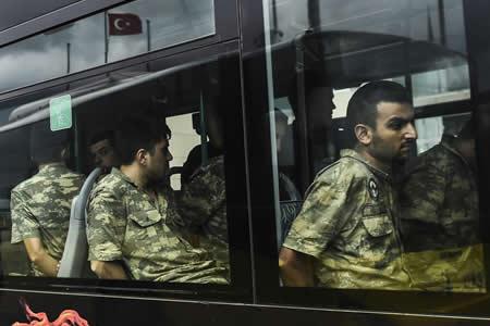 Turquía ha despedido a 8.570 militares desde la intentona golpista de 2016