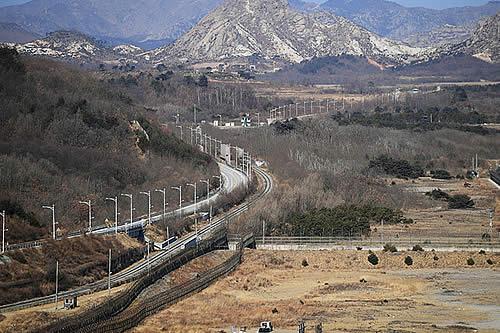 Camino a la reconciliación: Las dos Coreas, conectadas por carretera después de 14 años