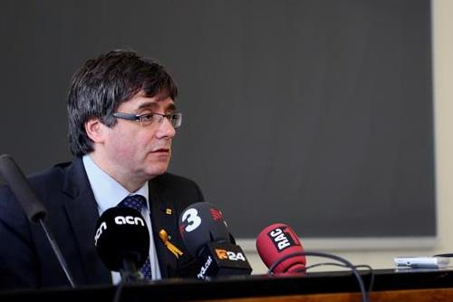 """Puigdemont expresa """"su apoyo total"""" a procesados por rebelión"""