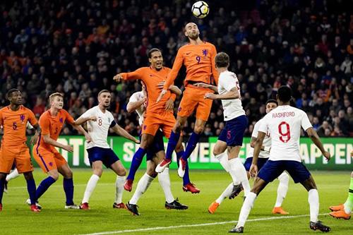 Inglaterra amarga el estreno de Koeman como seleccionador de Holanda
