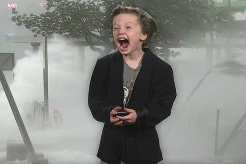 Un niño estadounidense graba un pronóstico del tiempo y lo invitan a la televisión