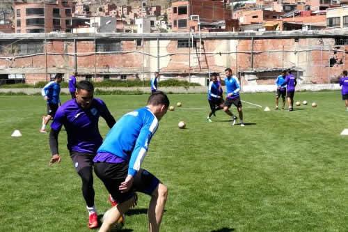 Bolívar va a Colombia con la misión de arrancar puntos al Atlético Nacional