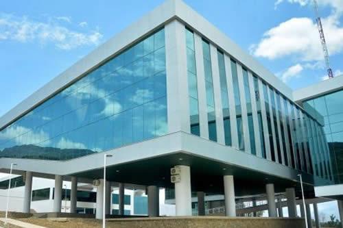 La crisis de Unasur haría inútil el edificio del Parlamento de $us 65MM