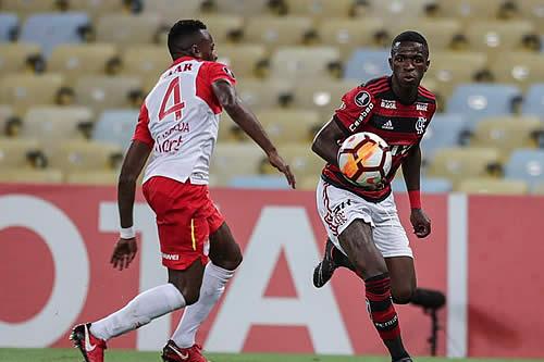 El Flamengo viaja con Diego y Everton Ribeiro pese a que no están confirmados