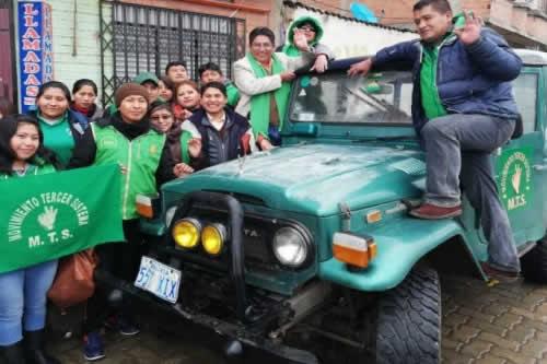 Patzi cierra en La Paz gira por 200.000 firmas