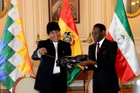 Evo Morales quiere aprender de Obiang a ganar elecciones con 90 % de votos