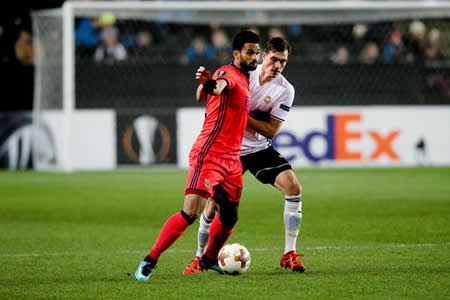 Oyarzabal mete a la Real en la siguiente ronda en el minuto 89