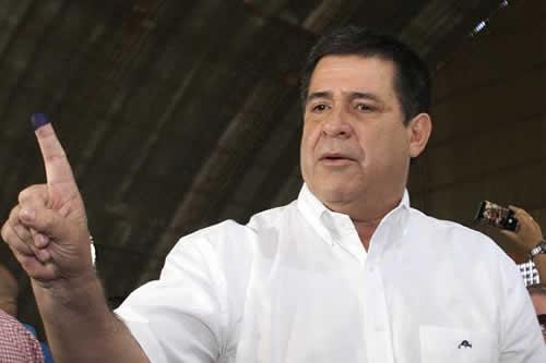 Cartes entra en el nuevo Senado el día después de las elecciones paraguayas