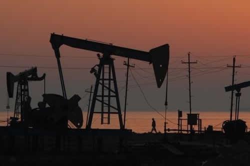 Oriente Medio y la OPEP impulsan el petróleo a máximos desde 2014