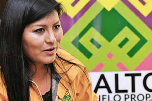 """Soledad Chapetón le dice al MAS: """"No nos asustan"""""""