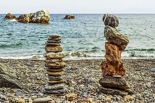Multas de 1.000 euros por llevarse piedras de la playa de 'Mamma Mia!'