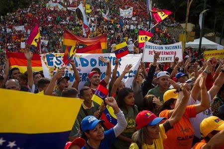 Oposición acentúa su fractura mientras empieza campaña electoral en Venezuela
