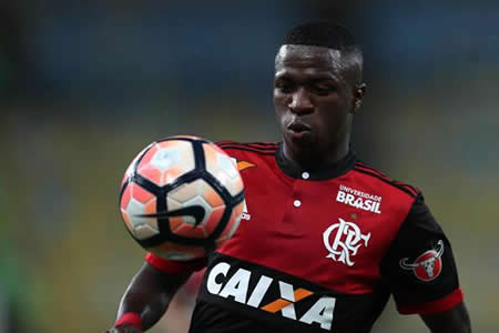 El Flamengo salva los muebles ante el Junior con goles de Juan y Vizeu