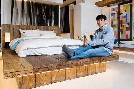 'Oye, vamos a jugar': el conserje de un motel se convierte en magnate con una 'app' para amantes