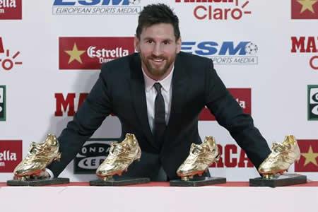 Messi recibe su cuarta Bota de Oro y no habla de su renovación